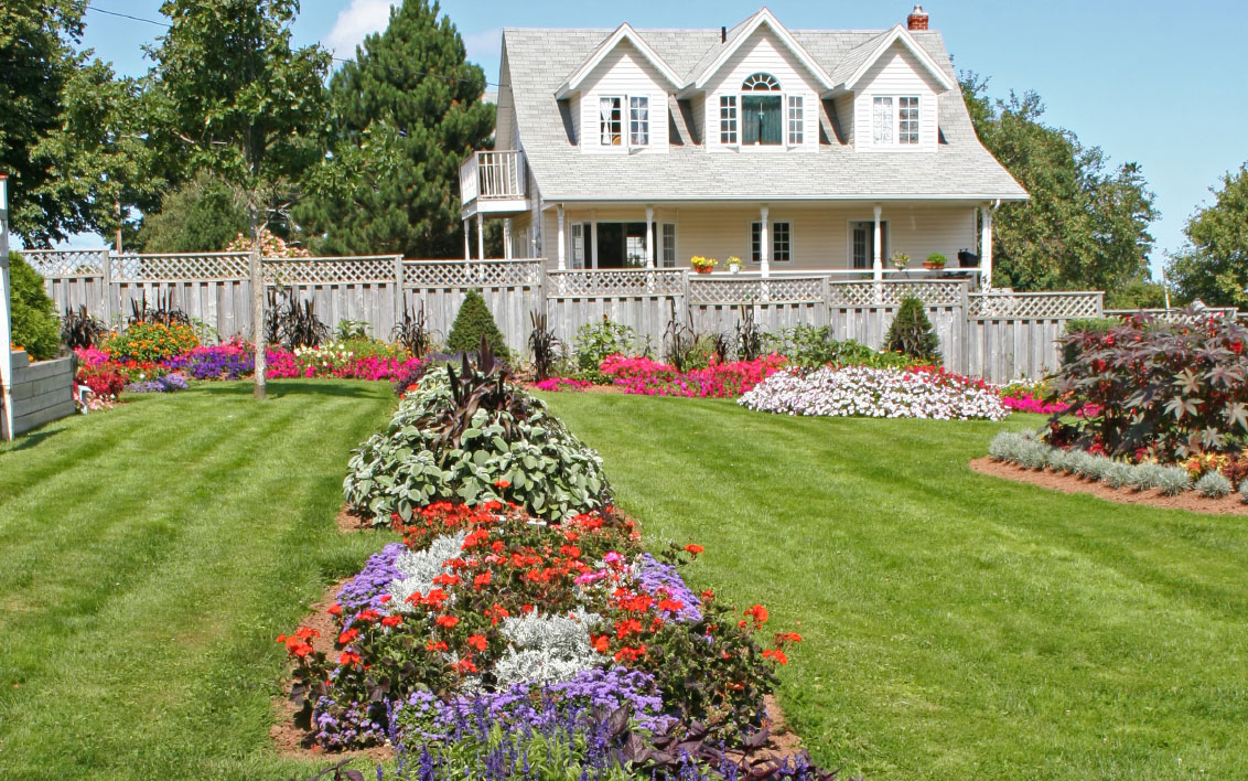 Inspirational Gardens Home Decorating Ideas House Designer
